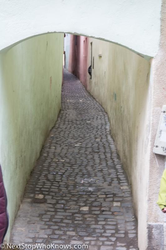 brasov narrowest street in europe