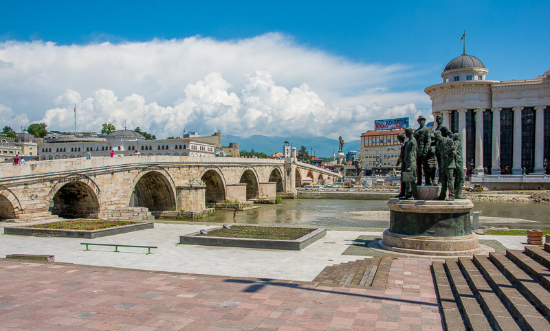 statues in skopje macedonia