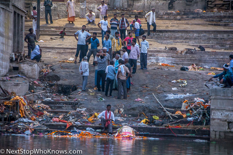 burning bodies varanasi